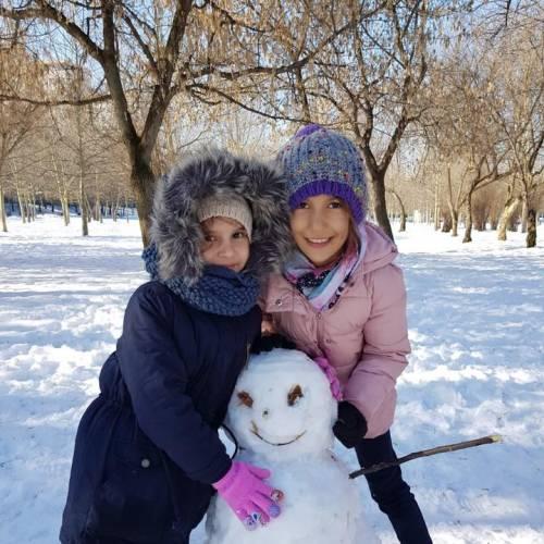 Copii, bulgari și oameni de zapada