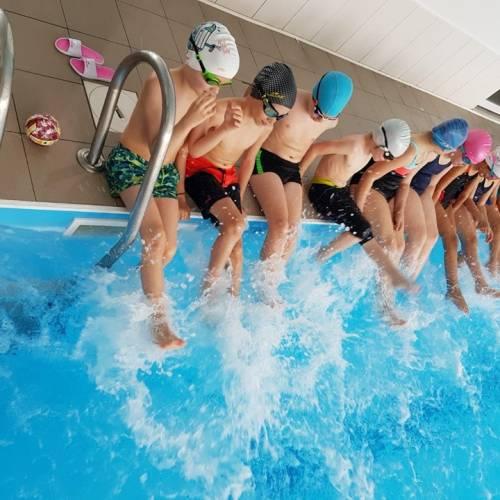 Înotul este singurul sport ce poate fi practicat la orice vârsta